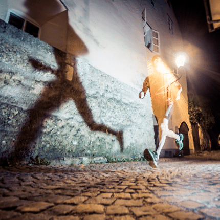 Tips-For-Running-At-Night-Safely