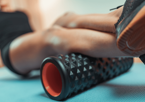 Best-Foam-Rolling-Exercises-and-Stretches-for-Runners-Calf-Roll
