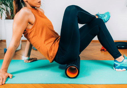 Best-Foam-Rolling-Exercises-and-Stretches-for-Runners-Glute-Roll