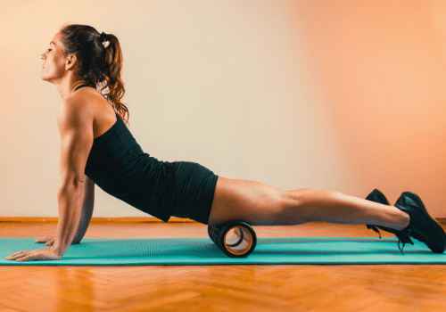 Best-Foam-Rolling-Exercises-and-Stretches-for-Runners-Quad-Roll-two-legs